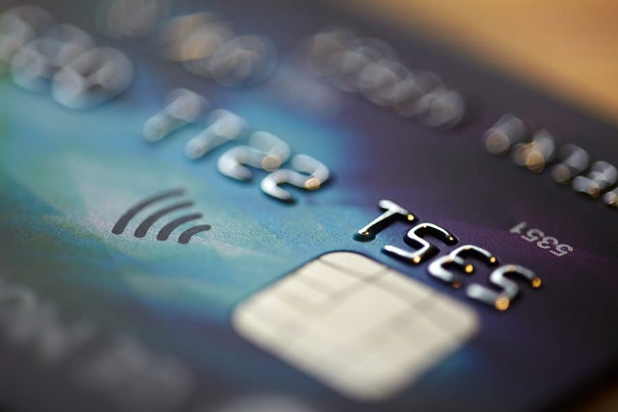 why stores still aren't accepting chip cards